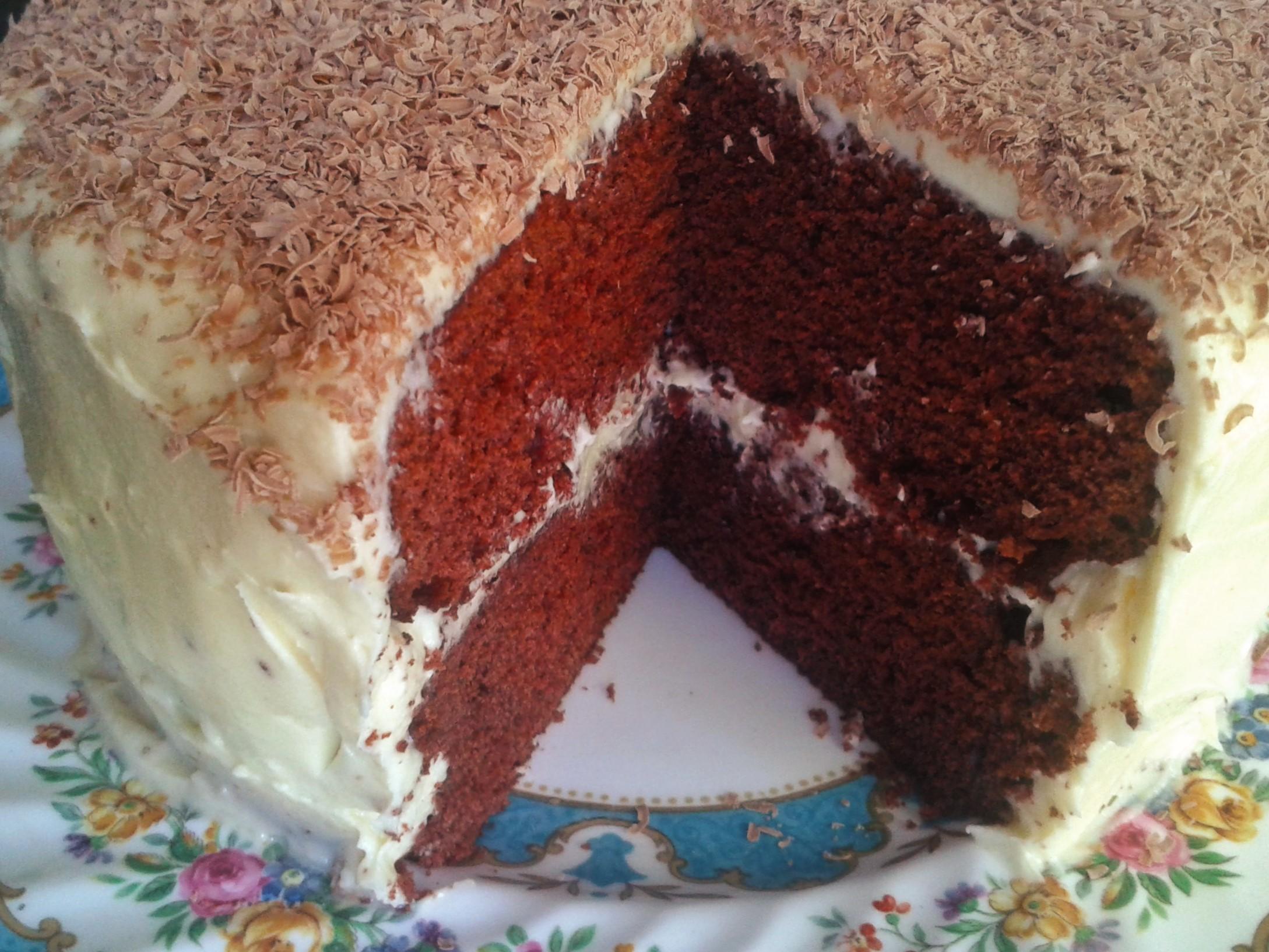 Red Velvet Cake Icing Recipes: Red Velvet Cake With White Chocolate Buttercream