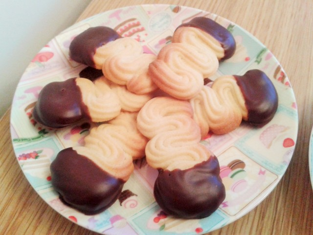 Viennese finger biscuits finished
