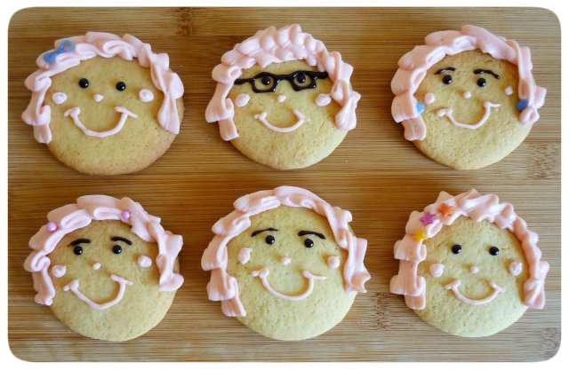 Caramel biscuits cookies face decoration with leaf buttercream hair