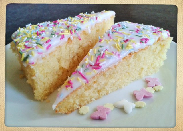 How to make simple old school sponge cake with white icing and sprinkles recipe