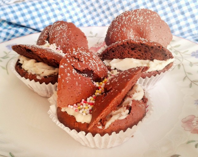 Chocolate butterfly buns cupcakes photo