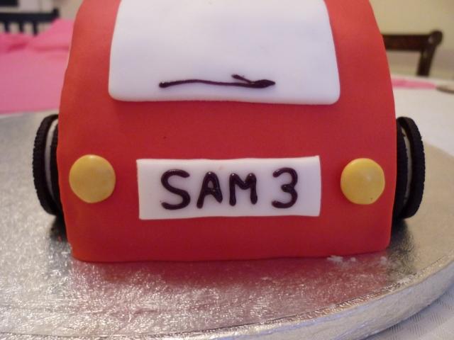 Kid's car birthday cake 1
