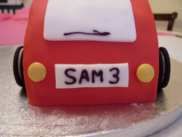Kid's car birthday cake 1