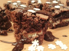 Chocolate cheesecake brownies with snowflake christmas decorations 1
