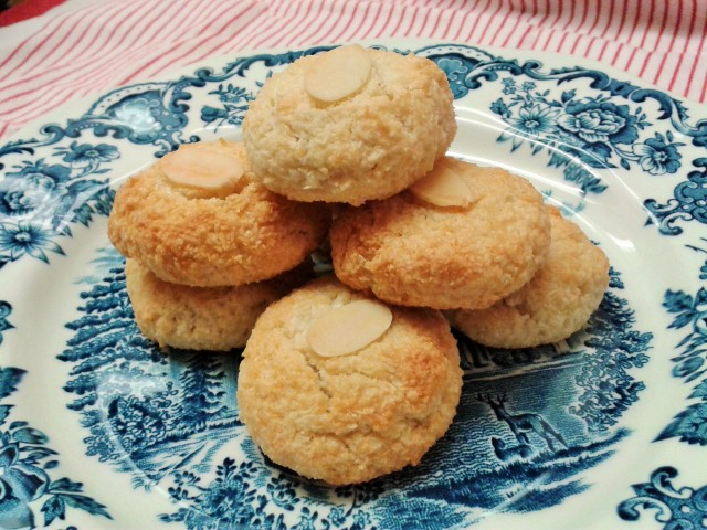 Recipe   Almond and coconut macaroons   Art and Soul Almond Macaroons Recipe Uk