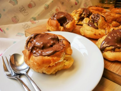 Giant choux buns profiteroles filled with double whipped cream and topped with melted Terry's chocolate orange 5 (2)