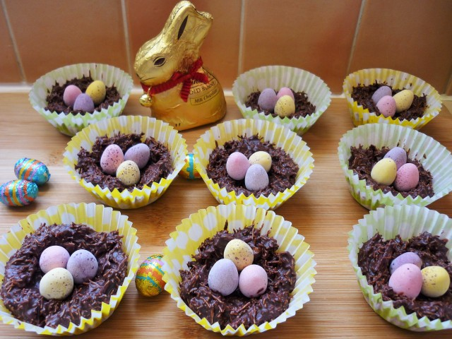Chocolate shredded wheat cereal easter nests with golden syrup and mini eggs 6