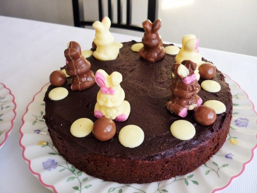 Easter bunny chocolate cake with maltesers 4