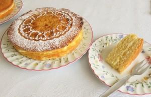 Lemon sponge layer cake with lemon curd and vanilla buttercream filling 2