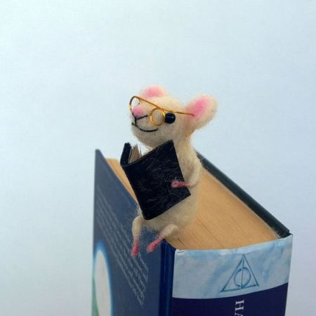 reading mouse bookmark