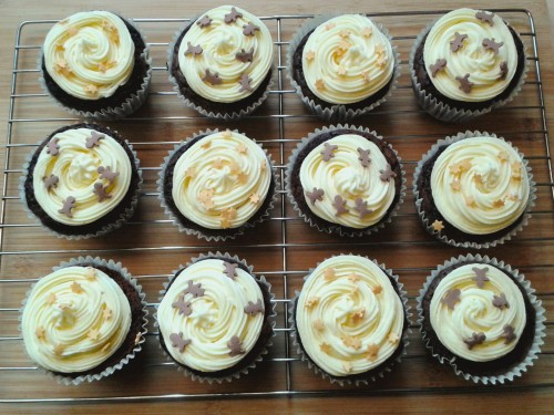 Brownie cupcakes with buttercream frosting 3