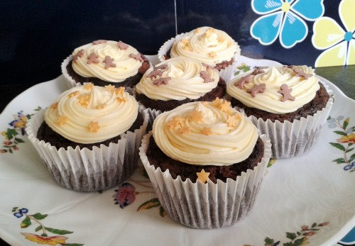 Brownie cupcakes with buttercream frosting 6