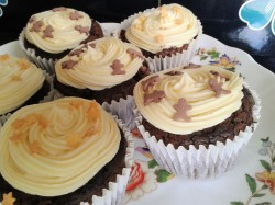 Brownie cupcakes with buttercream frosting 7