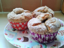 Hazelnut muffins with crunchy topping and with chocolate hazelnut sauce filling 2