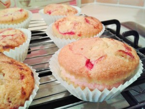 Raspberry ripple cupcakes with raspberry buttercream 1
