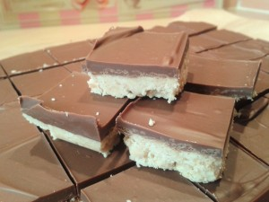 How to make chocolate peanut butter square recipe tray bake no bake