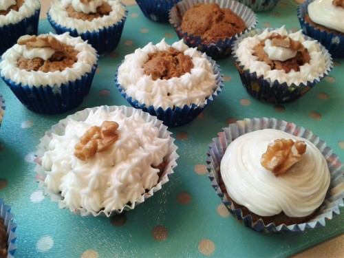 carrot-cake-cupcakes-recipe-with-cream-cheese-frosting-designs