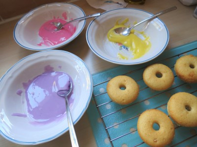 baked-mini-iced-doughnut-donuts-recipe-icing-colours