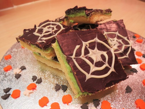 baking-for-kids-halloween-party-mint-millionaires-shortbread-recipe-uk-green-mint-chocolate-squares