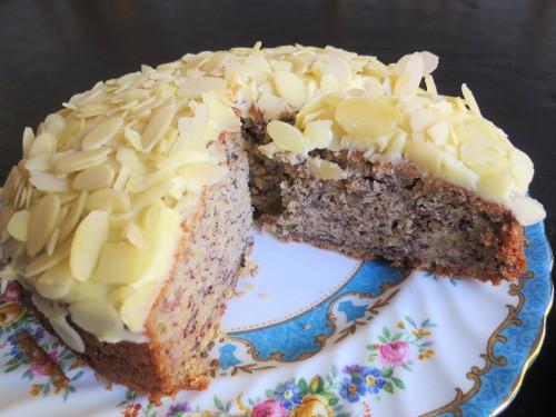 banana-cake-recipe-with-buttercream-icing-uk