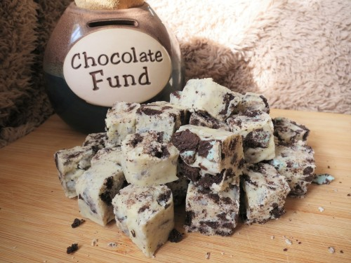 mint-oreo-and-white-chocolate-fudge-recipe-uk-super-sweet