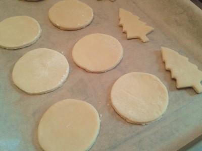 reindeer-vanilla-christmas-cookies-biscuits-uk-easy-recipe-festive-baking-cutter-dough