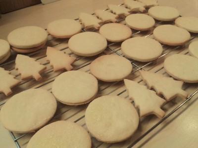reindeer-vanilla-christmas-cookies-biscuits-uk-easy-recipe-festive-baking-freshly-baked