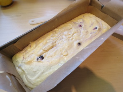 how-to-make-simple-cream-cheese-and-blueberry-pound-cake-recipe-uk