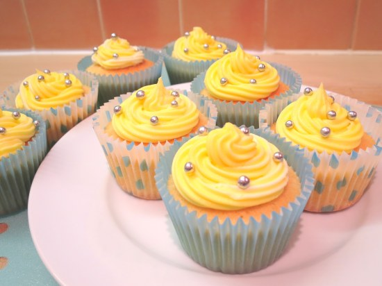 lemon-cupcakes-how-to-make-lemon-buttercream-icing