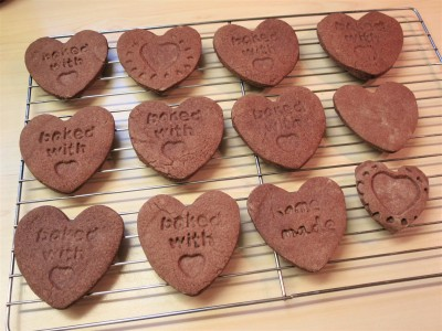 valentines-day-baking-ideas-chocolate-heart-biscuits-uk