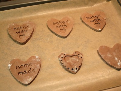 valentines-day-baking-ideas-recipe-chocolate-heart-biscuits-uk