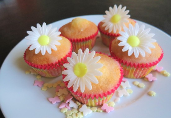 Easy lemon drizzle cupcakes baking with kids uk