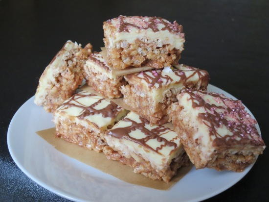 Quick Mars bar and rice krispie cake bars uk recipe chocolate and puffed rice cereal tray bake