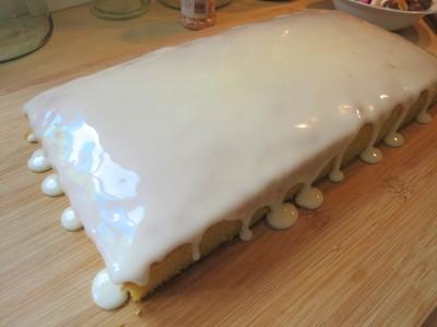 range sweetie tray bake cake easy uk recipe with white icing