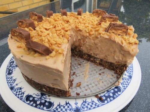 Recipe Snickers no bake cheesecake peanut chocolate and caramel uk