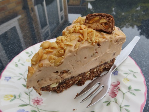Snickers no bake cheesecake peanut chocolate and caramel simple uk recipe