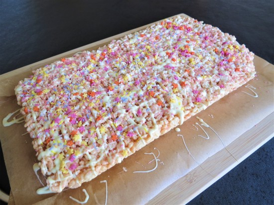 Rice Krispies stars marshmallow white chocolate tray bake treats uk