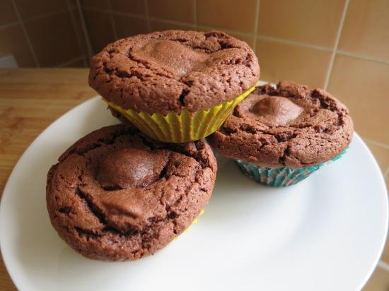 how to bake Cadbury creme egg cream egg easter chocolate cupcake recipe uk