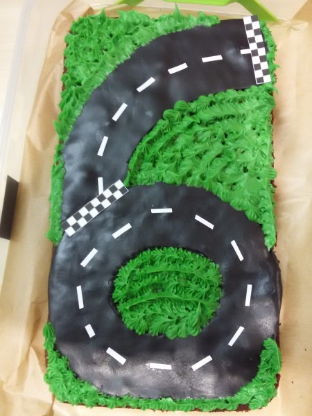 How to make simple race car race track circuit birthday cake uk
