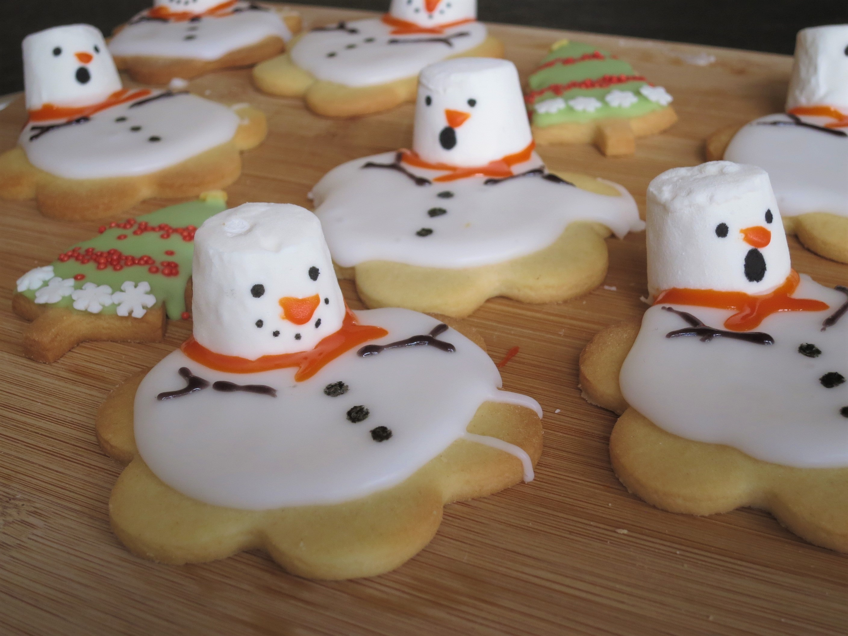 Recipe Melted Snowman Christmas Biscuits Art And Soul