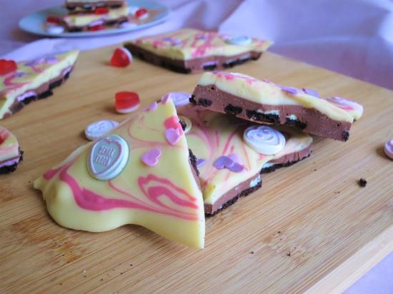 Valentine's mint oreo white chocolate bark pink swirl uk recipe