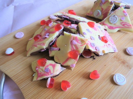 Valentine's oreo white and milk chocolate bark uk recipe