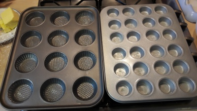 Honey and ginger cakes quick easy uk recipe tin prep