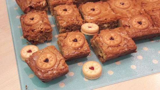 Jammie dodger minis white chocolate blondies recipe uk