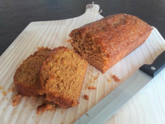 Quick golden syrup sponge cake easy recipe uk