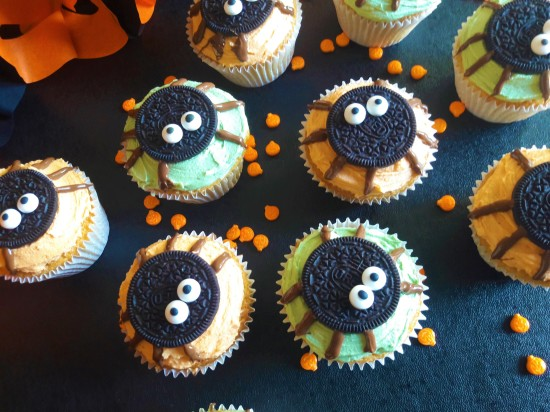 Halloween cute oreo spider muffins easy uk recipe cute bakes
