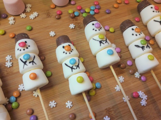 Marshmallow snowmen with chocolate hats and buttons quick simple UK recipe