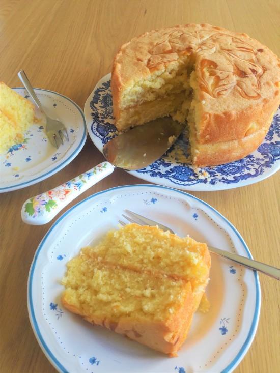 Easy quick recipe lemon curd swirl sponge cake uk