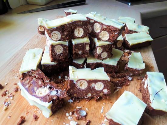 Easy no bake Malteser chocolate biscuit bars quick recipe uk